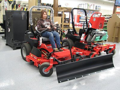 Zero Turn snow plows, blades for zero turn radius mowers by